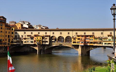 Firenze - Ponte Vecchio - 2000px.jpg