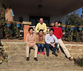con familia_1200px.jpg