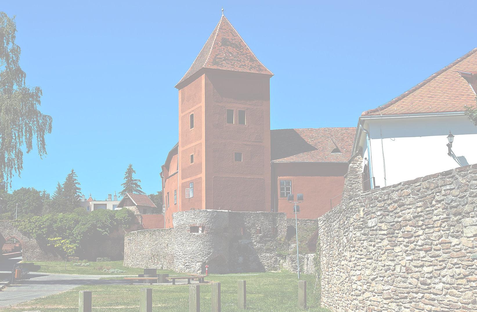 Castle_Köszeg_filtered_Gamma_3000px.jpg