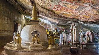 Dambulla-Sri-Lanka-Le-temple-dor-caves-s