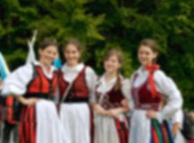 Lányok Csíksonmlyón_1200px.jpg