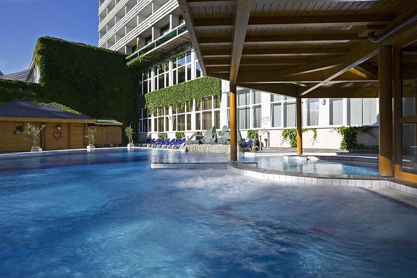 hotel-heviz-outdoor-pool2.jpeg