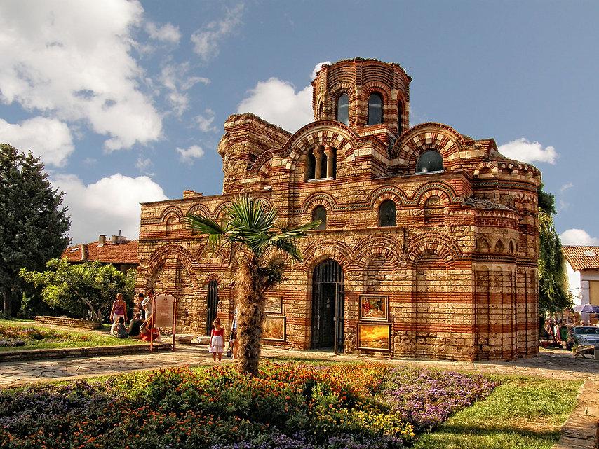 Church_museum_in_Nessebar,_Bulgaria._-_p