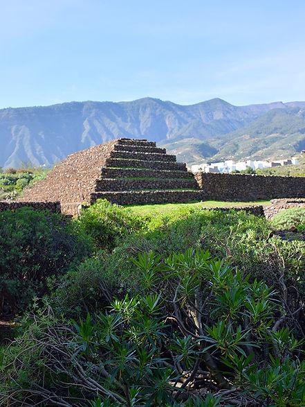 piramis_800px.jpg