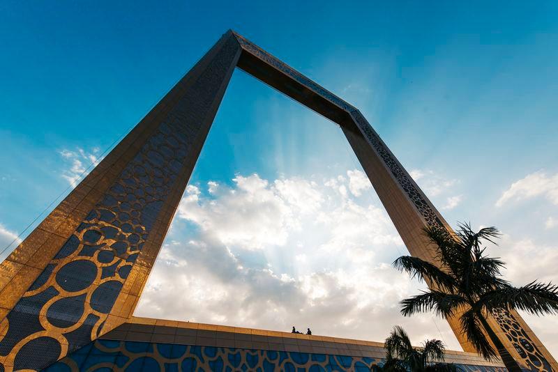 Dubai_Frame.jpg