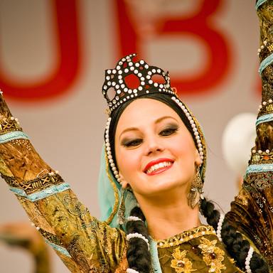 Azeri dancer