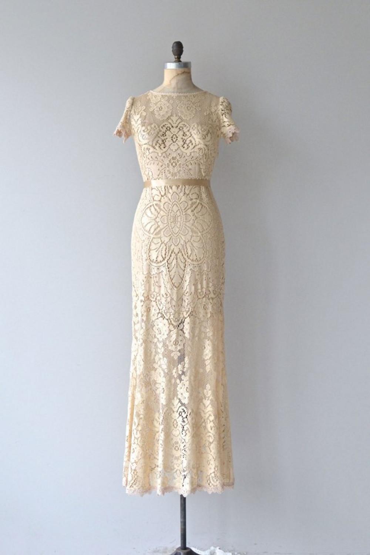 dear-golden-vintage-wedding-dresses-02