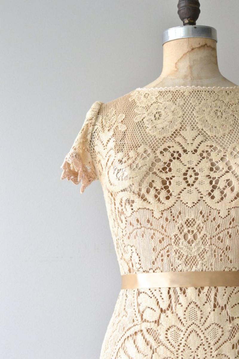 dear-golden-vintage-wedding-dresses-03
