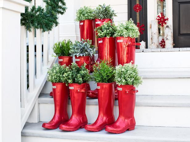 BPF_holiday-house_exterior_natural_porch_decorating_boot_planters_h_lg