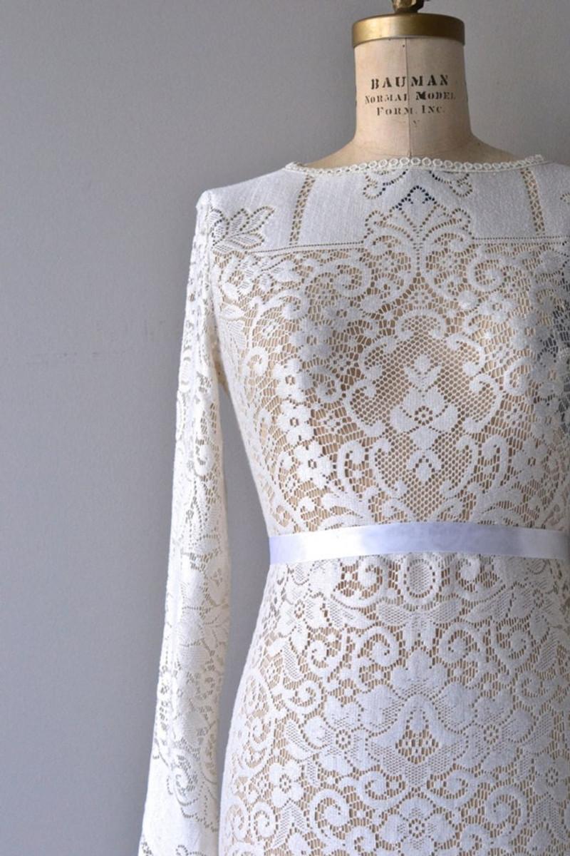 dear-golden-vintage-wedding-dresses-05