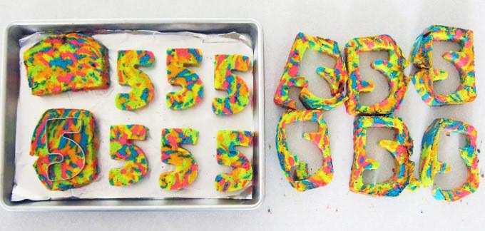 2014-05-22-surprise-cake-step5-680x324