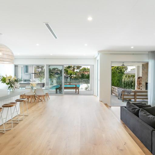 URBAN LIVING CONSTRUCTIONS MODERN CONTEMPORARY HOME BUILD