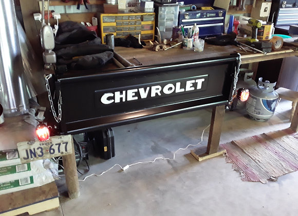 Chevrolet Tailgate Bench, deluxe with lights