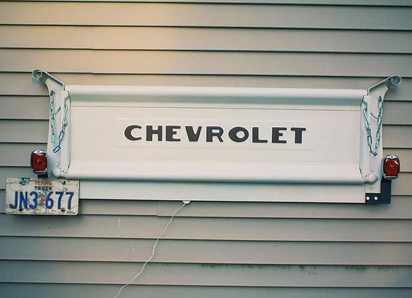 WHITE Chevrolet Tailgate Bench, deluxe