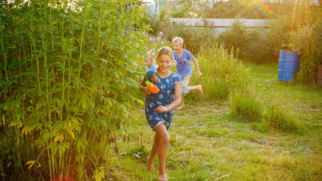 Spring Into Summer: Outdoor Adventure Ideas for Families