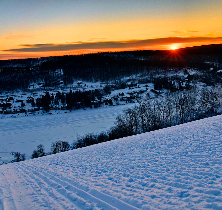 Mainstreet is a black diamond trail with views of Deep Creek Lake.