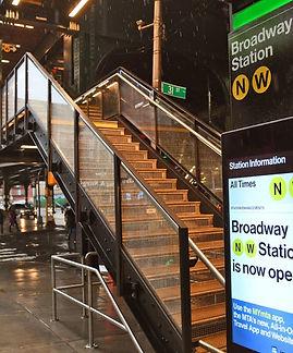 Broadway-station-Astoria-Line-New-York-MTAPhotos-CC2-1392x1018.jpg