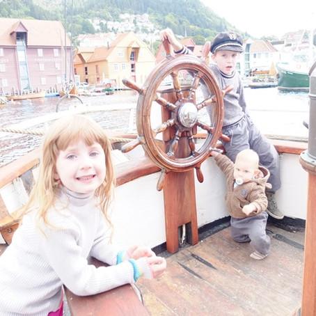 9) Boat Inspection! Lodní inspekce!