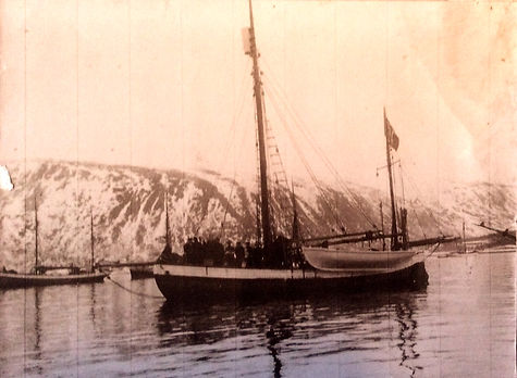 1926_Tromsø_when_the_boat_came_from_seal