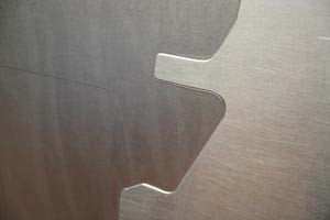 Precised etched surfaces