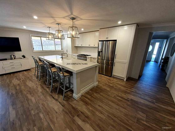 floor tiler