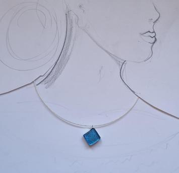 """Collier """"Hooked"""", bleu"""