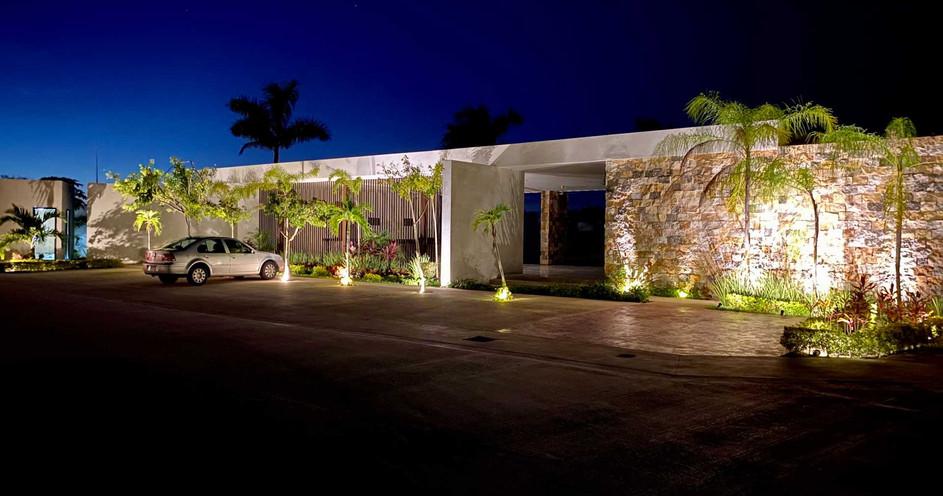 Casa club exterior nocturna cholul