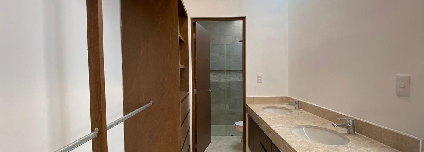 10. Baño vestidor.jpeg