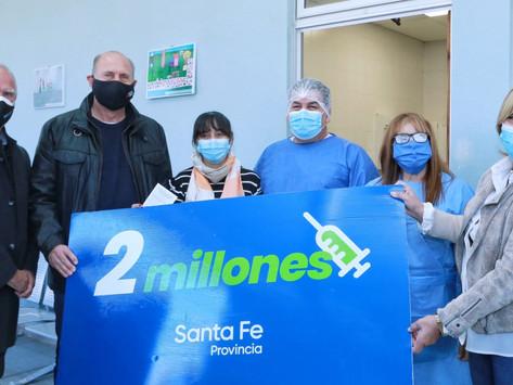 Se aplicó en Puerto San Martín la vacuna 2 millones de la provincia