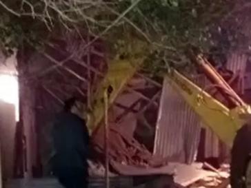 Pueblada en Retiro por la inseguridad y demolición de una casa usurpada por delincuentes