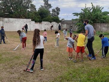 Vuelven las prácticas de hockey a Sargento Cabral
