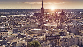 bordeaux_aerial_view_at_sunset_photo_2-179d_1400x788.jpg