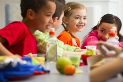 lunchroom-children