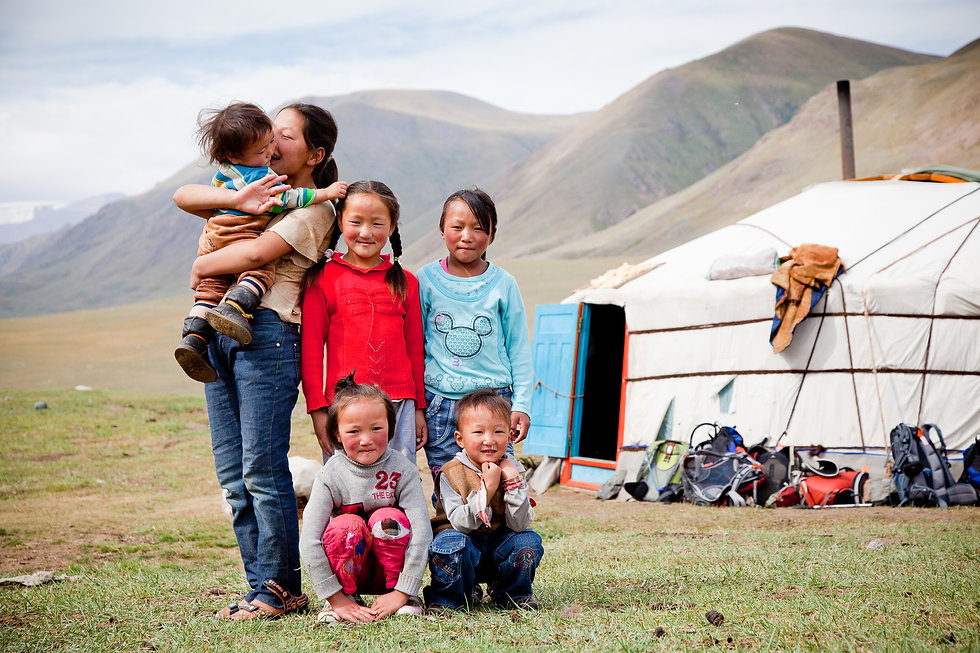 Mongolian_family-[8212] ©Cam Cope.jpg