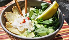Zupa Pho z Tempeh