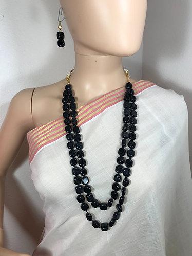 Black necklace set. High quality