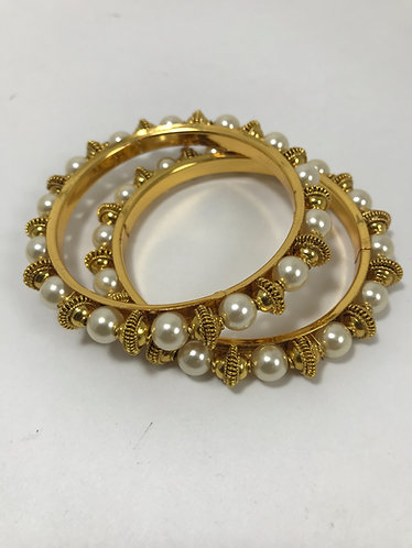2.4 - bangles with pearl