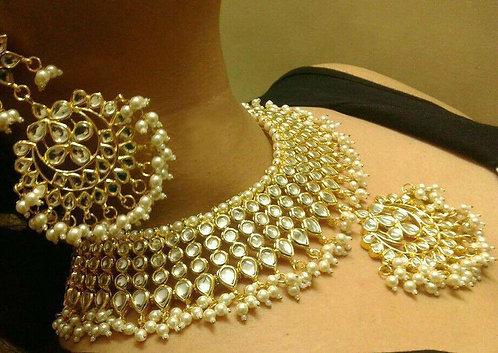 Kundan high collar with big earrings
