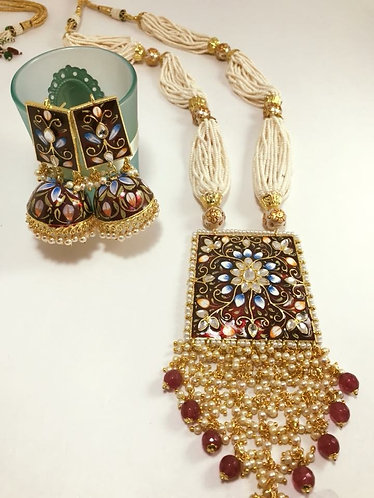 High quality kundan with Meena Art work with big earrings