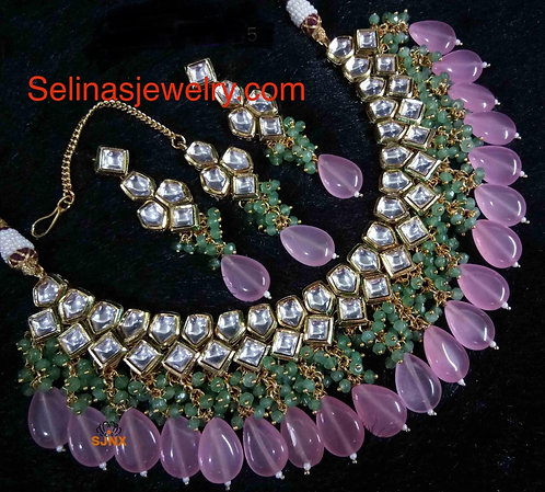 High quality big kundan with pearls. Statement piece