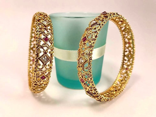Very high quality gold plated bangles With stone