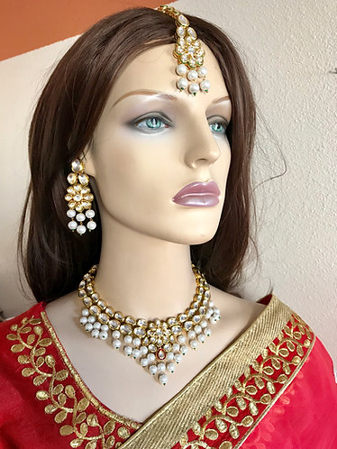 Gorgeous kundan with pearl gold plated necklace set