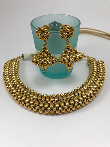 Gold plated 3D necklace set with earrings