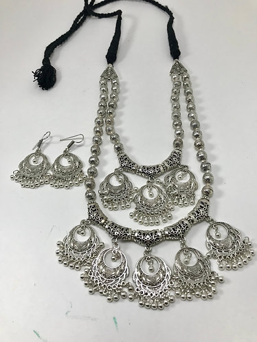 Silver necklace set for party wear