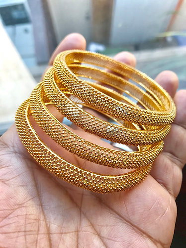 2.4 Size. Gold plated bangles 4 pieces