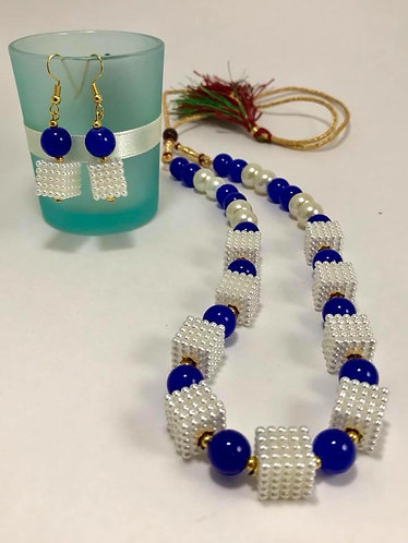 Blue necklace set