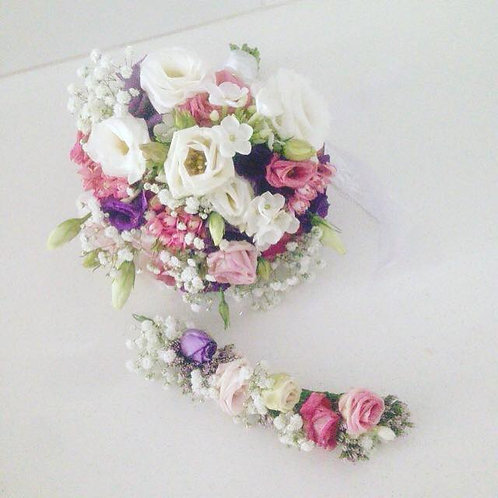זר כלה ומסרקיית פרחים