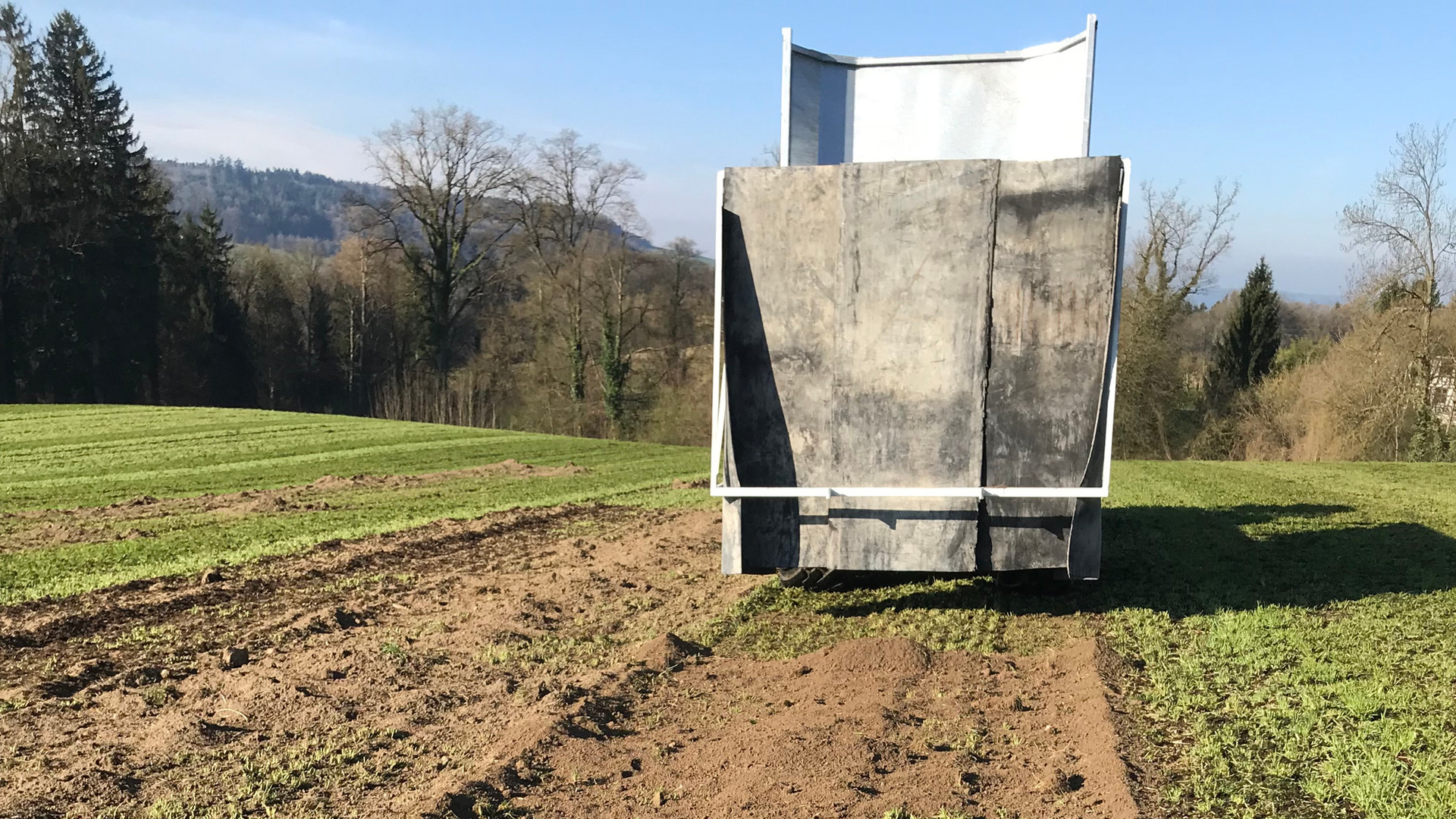 Ausbringen von Hilfstoffen und Bodenmate