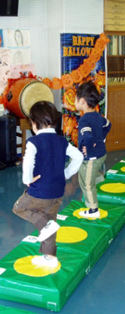 子育てママのための「足病学」お子様の足は真っ直ぐですか?