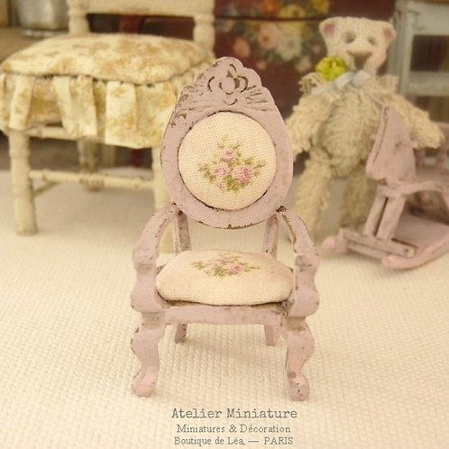Fauteuil Rose Pâle, Échelle 1/24, Miniature en bois, Maison de Poupée